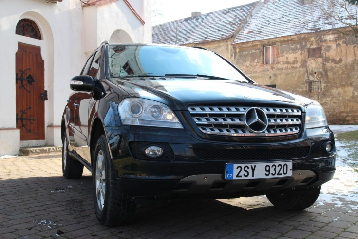 prague taxi mercedes benz ml320 cdi suv 4x4 automatic. Black Bedroom Furniture Sets. Home Design Ideas